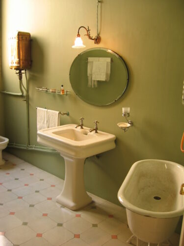 Tips for Protecting Your Bathroom Paint Job
