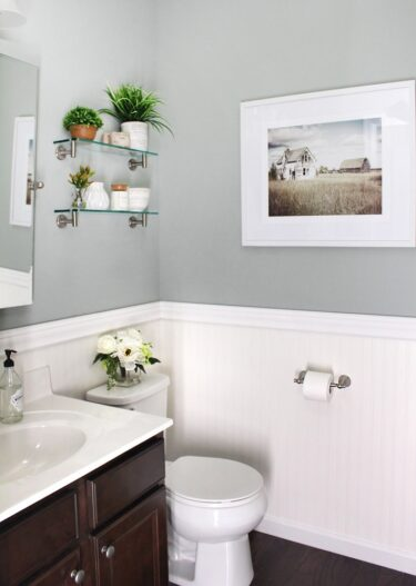 How to Maximize Your Powder Room with Color