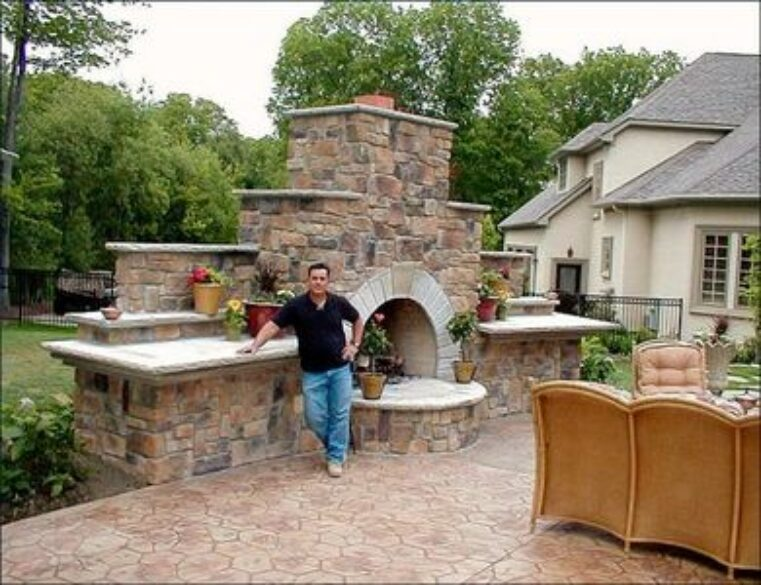 Easy Outdoor Entertaining with a Little Help from Spectrum Painting